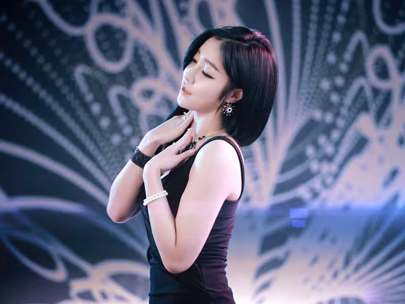 Sera from Nine Muses