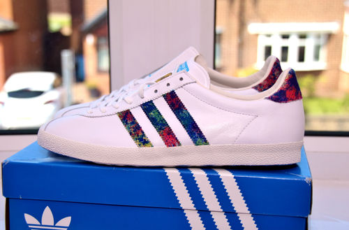 389c8474db4 ... your bids on this custom pair of Adidas Gazelle x The Stone Roses  signed by Ian Brown