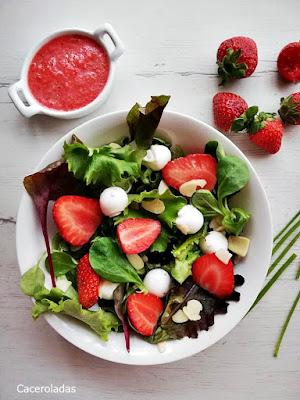 Ensalada de fresas con lechuga y vinagreta de fresas