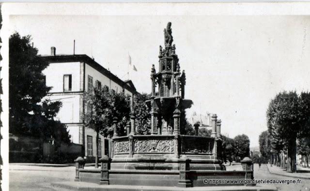 Photo ancienne de Clermont-Ferrand fontaine d'Amboise