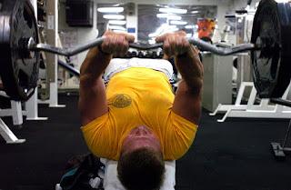 Tips Membentuk Otot Dada Bagian Bawah Yang Benar