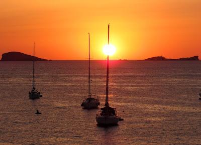 Puesta de sol en Ibiza. Puesta de sol en Cala Conta