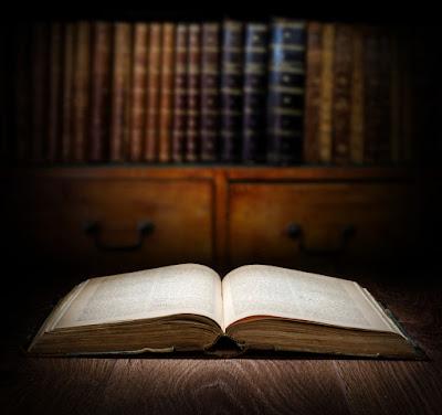 Libro de las sagas islandesas en una biblioteca