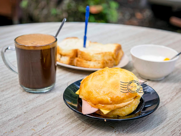 Polo Bun, Toast and Local Coffee @ 三点三Meet, Jelutong Penang