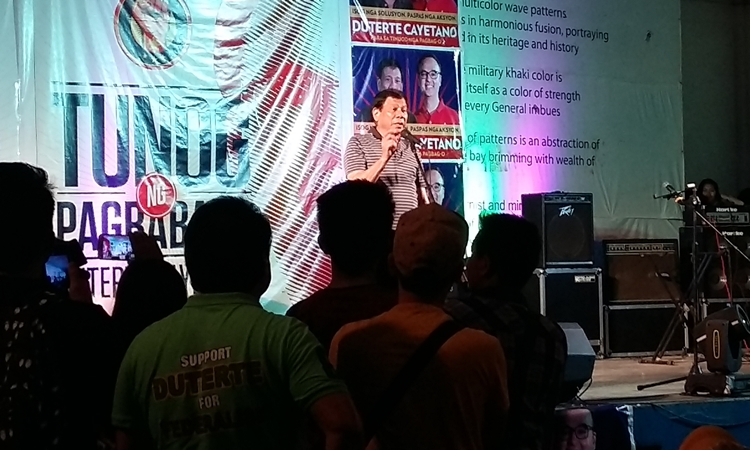 Duterte to win a landslide victory in South Cotabato based on online survey results