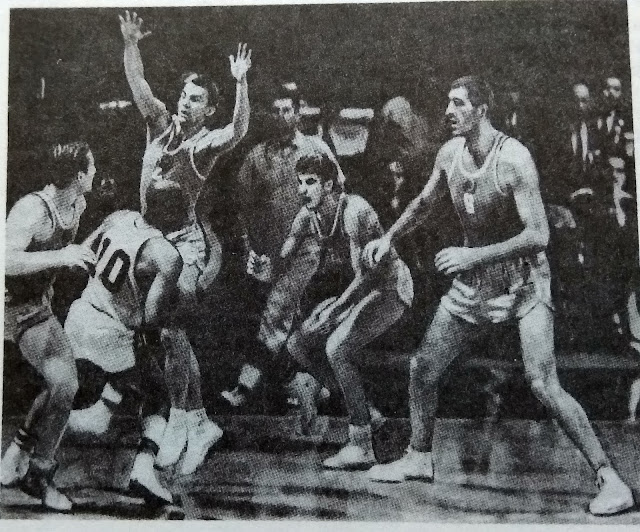 Баскетболист Я. Круминьш (крайний справа) в игре СССР:США