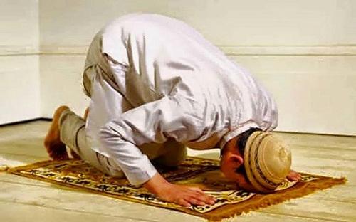 Bacaan Doa Sholat Tahajud Lengkap Arab, Latin Dan Arti Terjemahan