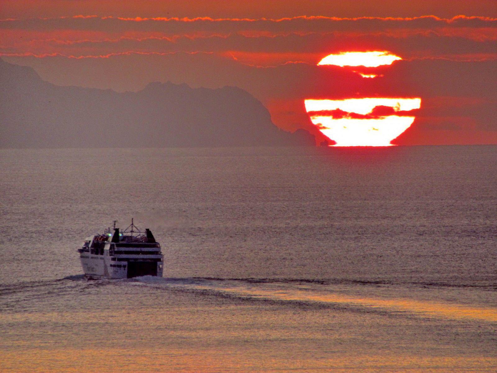 Lobo Marinho and the sun