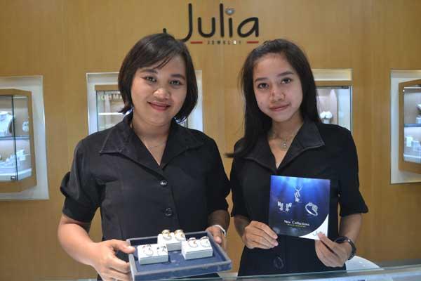 permintaan cincin pernikahan julia jewelry naik