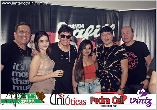 http://www.lentedotrairi.com.br/2019/11/fotos-do-aniversario-do-deputado.html