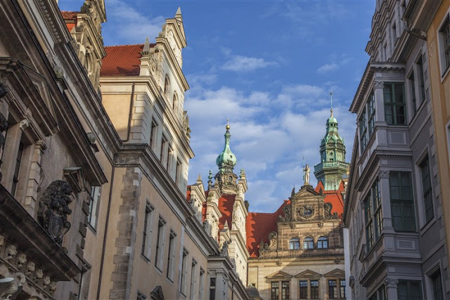 palace dresden saxony guide