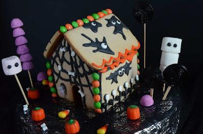 рецепты на Хэллоуин, Halloween, All Hallows' Eve, All Saints' Eve, закуски на Хэллоуин, салаты на Хэллоуин, декор блюд на Хэллоуин, оформление Хэллоуинских блюд, праздничный стол на Хэллоуин, угощение для гостей на Хэллоуин, кухня монстров, кухня ведьмы, еда на Хэллоуин, рецепты на Хллоуин, блюда на Хэллоуин, оладьи, оладьи из тыквы, тыква, праздничный стол на Хэллоуин, рецепты, рецепты кулинарные, рецепты праздничные, оладьи, тыквенные блюда, блюда из тыквы, как приготовить тыкву, Хэллоуин, на Хэллоуин, из тыквы, что приготовить на Хэллоуин, страшные блюда, блюда-монстры, 31 октября, праздники осенние, Страшные и вкусные угощения для Хэллоуина (закуски, салаты, горячее) http://prazdnichnymir.ru/ Хэллоуин — подборка праздничных рецептов и идей