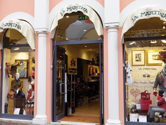 ラ マルティナのキャステル ロマーノ アウトレット店