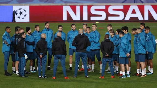"""Real nhận """"tối hậu thư"""": Thua PSG, Ronaldo & 9 SAO cùng """"ra đường"""" 1"""