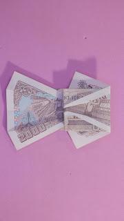 Hướng dẫn cách gấp cái váy bằng tiền giấy