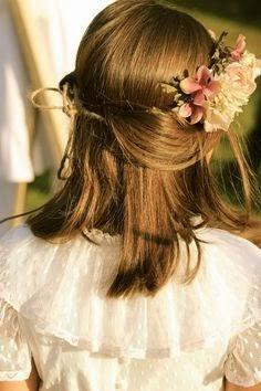 #peinadoniña #primeracomunion #coronaflores