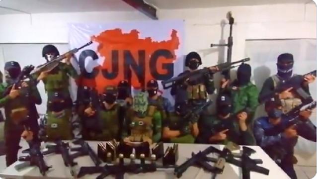 VIDEO.- El Mencho manda Comunicado atreves de sus Sicarios uniformados y con calibre .50 lanza amenazas contra Carteles Unidos y va por El Abuelo Farías