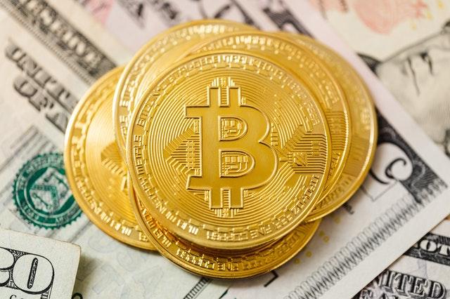 ما هو البيتكوين و كيف يعمل ؟ معرفة كل شيء عن العملة الرقمية الأكثر قيمة