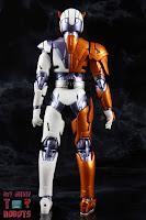 S.H. Figuarts Kamen Rider Valkyrie Rushing Cheetah 06