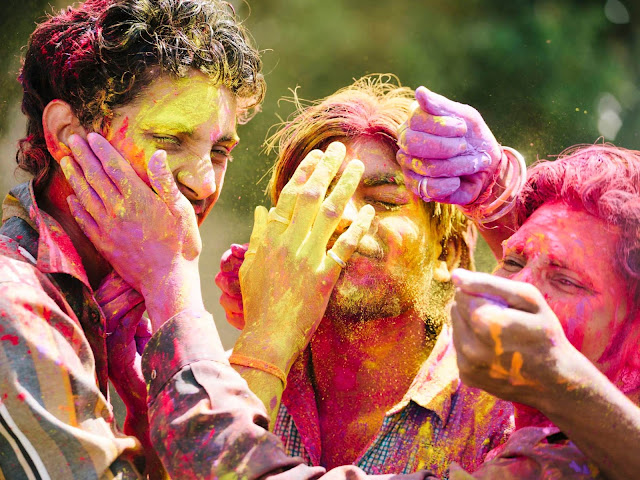 10 Lines on Holi in Hindi | Few Important Lines on Holi Hindi
