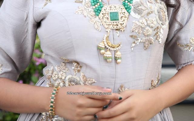 Yashumashetty in Emerald Beads Long Chain