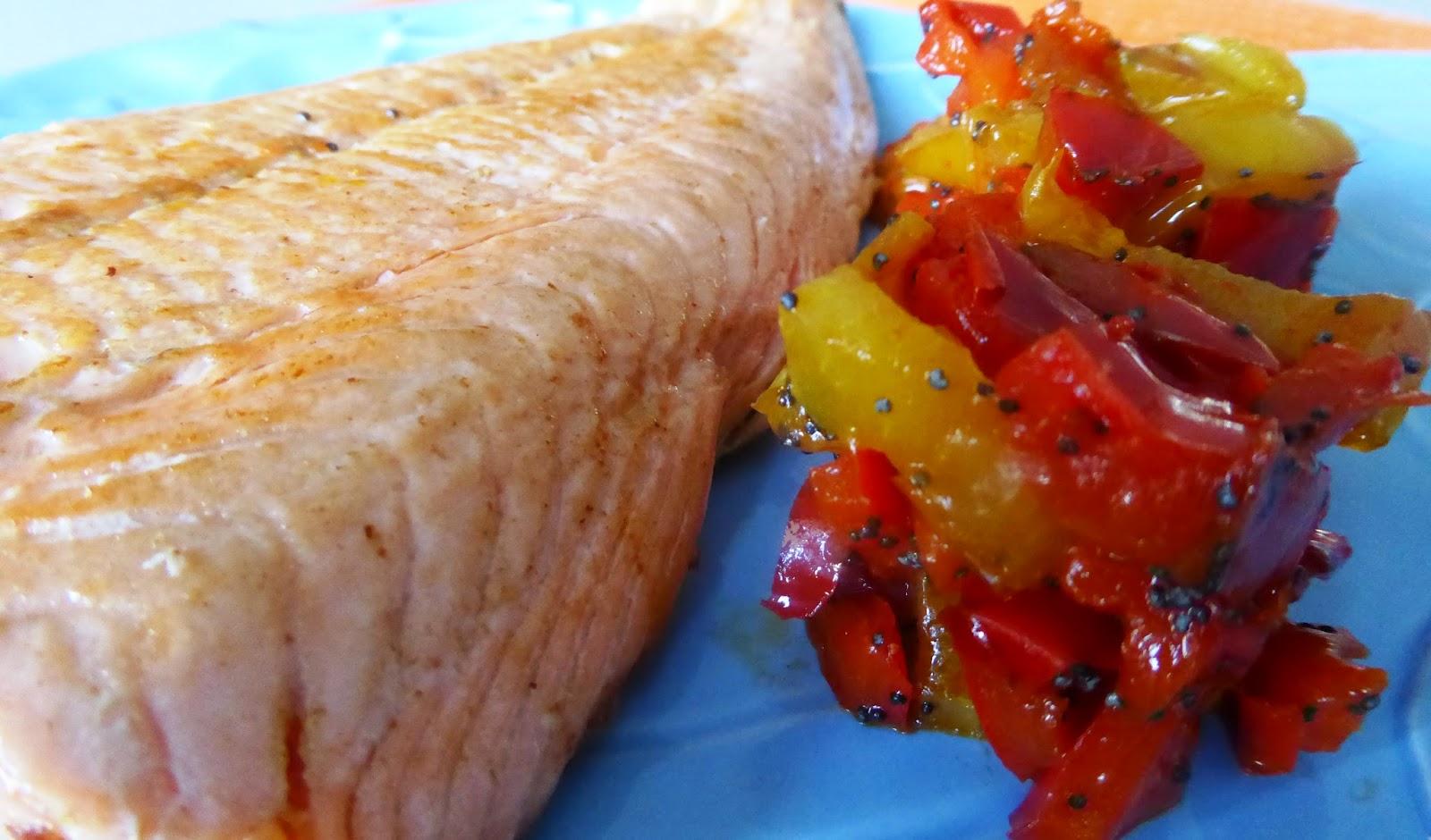 Salmone arrosto con peperoni