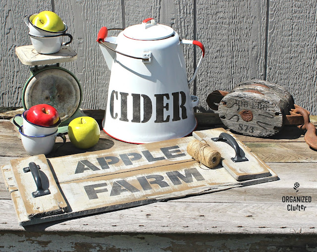 Early Fall Rustic Decor Ideas #stencil #Oldsignstencils #applecider #Applefarm #pallettray #earlyfalldecor #appledecor #enamelware