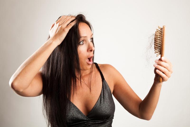 Mevsim geçişlerinin saç dökülmesine önlemler