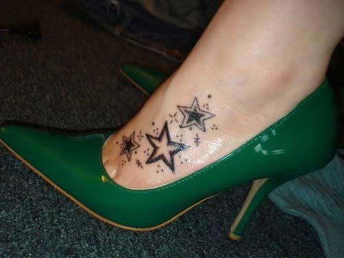 foot star tattoo design ayak üstü yıldız dövmesi