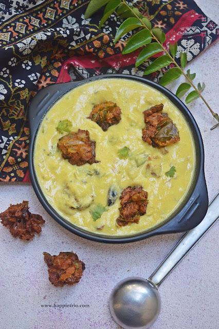 Kadhi Pakora Recipe | Punjabi Kadhi Recipe