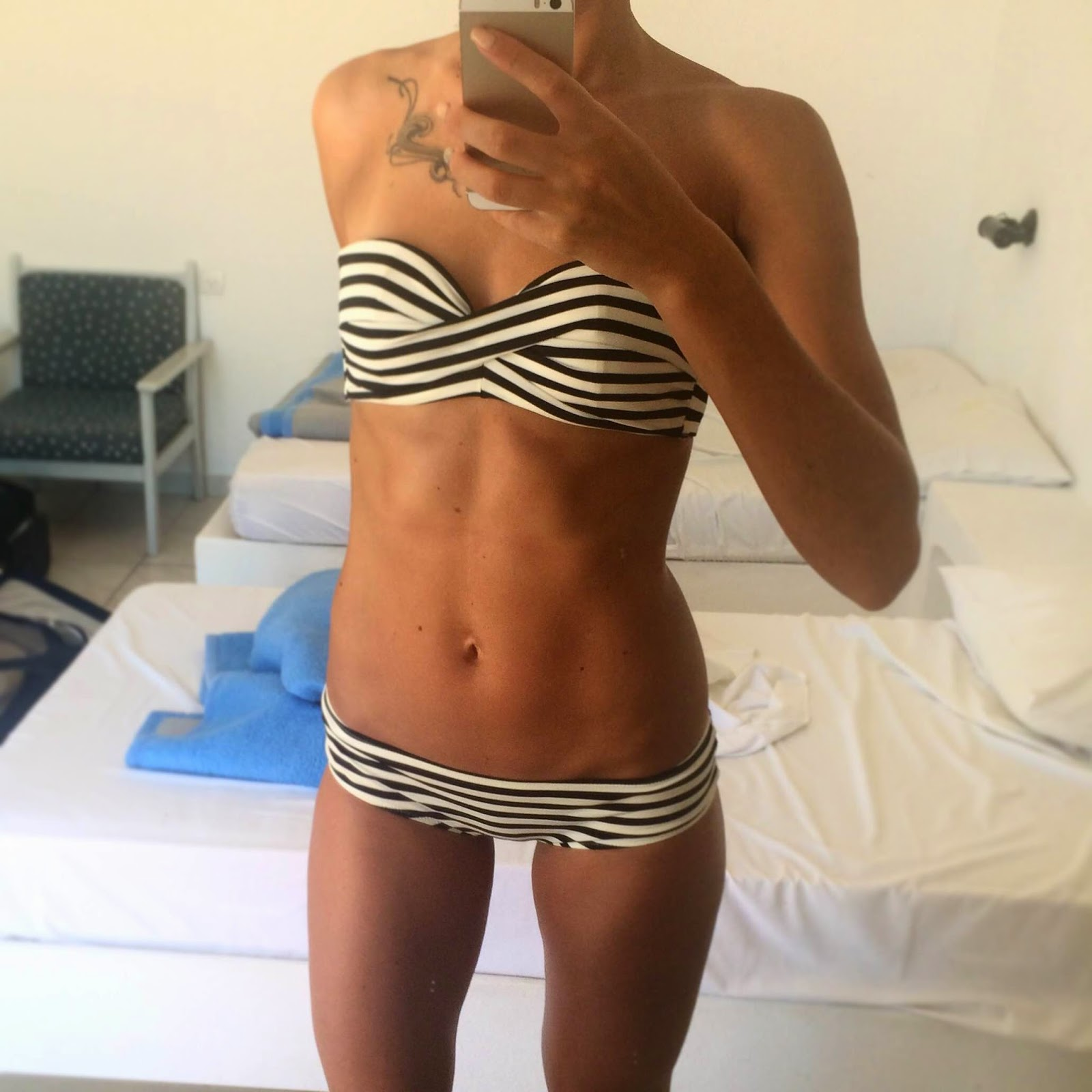 black-white-striped-hm-bikini-body-fitness