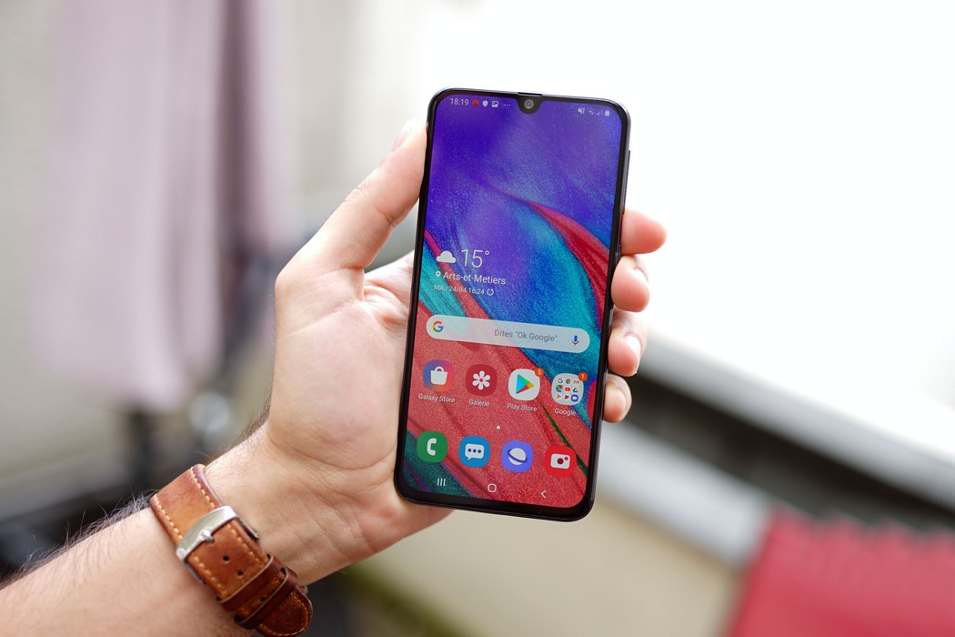 التحديث الأحدث للهاتف Galaxy A40 يجلب معه الدعم لخدمة الدفع Samsung Pay