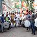 मुंबई युथ कांग्रेस के कार्यकर्ताओं में आज एमआरसीसी ऑफिस के पास राहुल गांधी को कांग्रेस के राष्ट्रीय अध्यक्ष चुने जाने पर मिठाई खिलाकर ख़ुशी मनाई