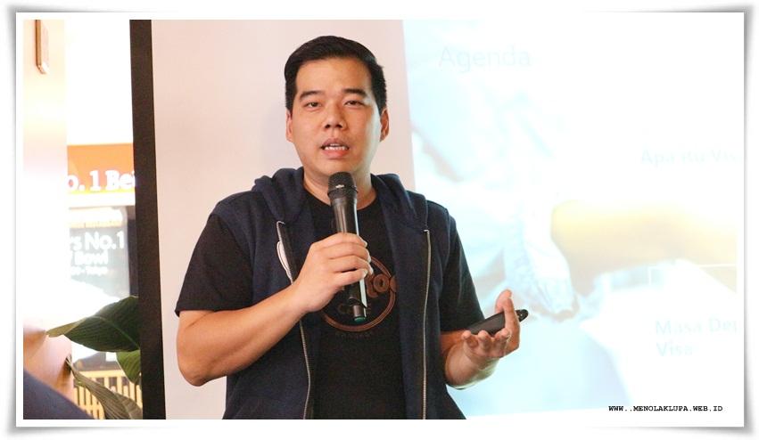 Bapak Kelvin Tahu Utomo selaku Director Consumer Product & Digital Solutions Visa Indonesia