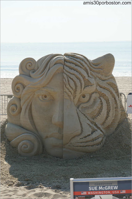 """Eye of the Tiger"" de Sue McGrew en el Festival de Revere, Massachusetts"
