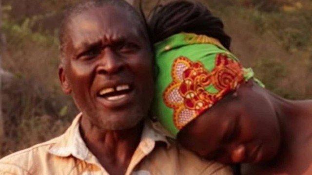 Homem 'empresta' a esposa ao cunhado em troca de comida, bebida e dinheiro, mas agora ela não quer voltar