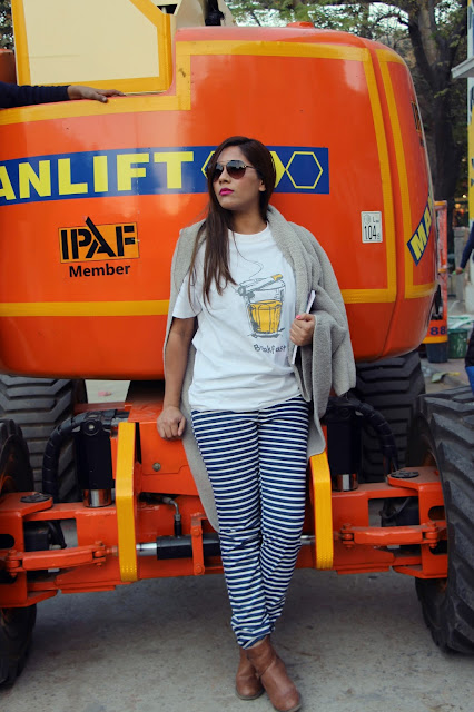 fashion, strip pants, chai sutta tee, graphic tshirt, casual outfit, street style outfit, how to style strip pants, how to style graphic tee, chai sutta chropicals, delhi blogger, indian blogger, delhi fashion blogger, indian fashion blogger, ,beauty , fashion,beauty and fashion,beauty blog, fashion blog , indian beauty blog,indian fashion blog, beauty and fashion blog, indian beauty and fashion blog, indian bloggers, indian beauty bloggers, indian fashion bloggers,indian bloggers online, top 10 indian bloggers, top indian bloggers,top 10 fashion bloggers, indian bloggers on blogspot,home remedies, how to