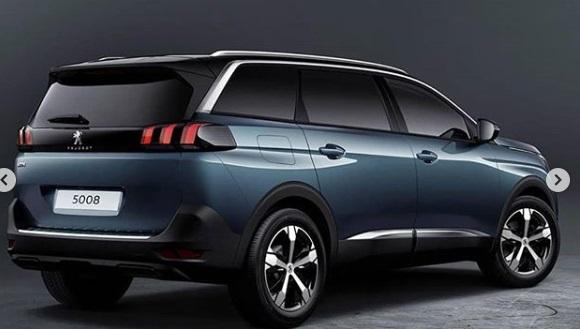 Desain belakang Peugeot SUV 5008