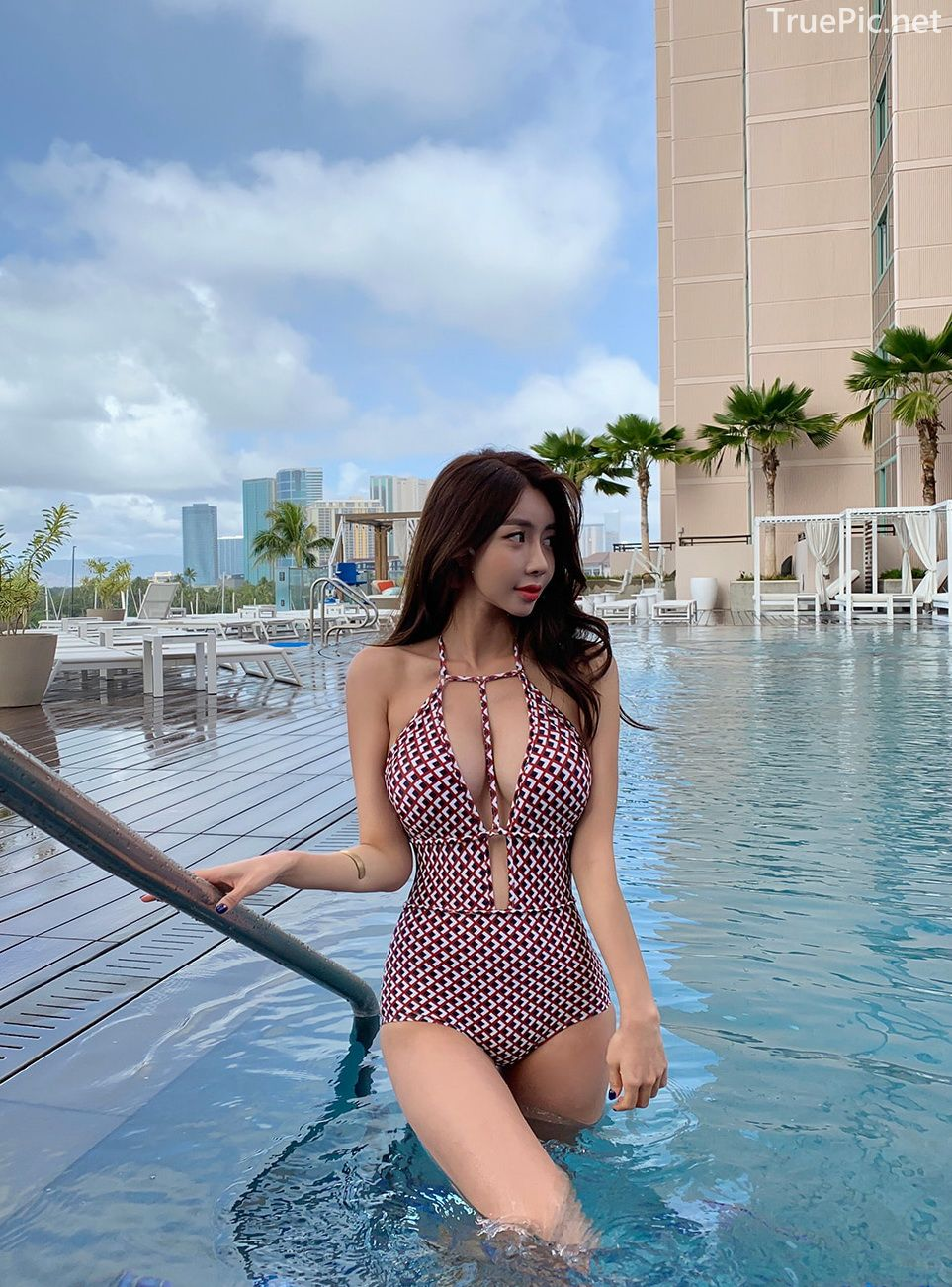 Korean hot fashion model - Kwon Byul - Swimsuit set Checkered Monokini