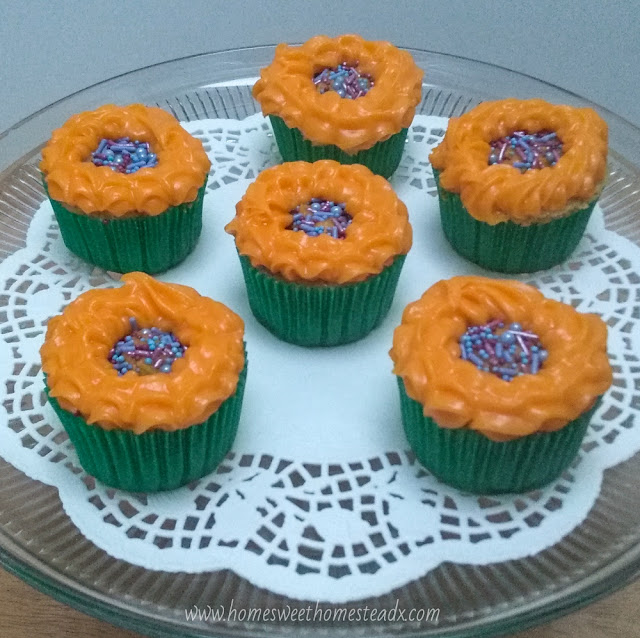 Sunflower Cupcakes: Home Sweet Homestead Cute Sunflower Cupcakes that are as fun and easy to make, as they are to eat!