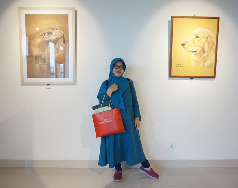 galeri faber castell, art center faber castell, woman in hijab