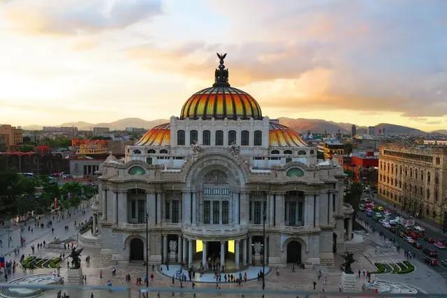 Vista Panorámica del Palacio de Bellas Artes en la Ciudad de México