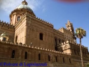 Duomo di palermo, particolare esterni con parte delle mura difensive