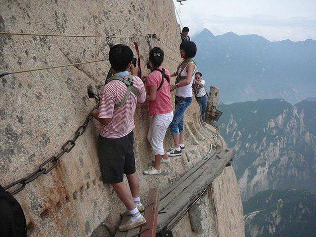 """Monte Huashan, """"o caminho da morte"""", na China"""