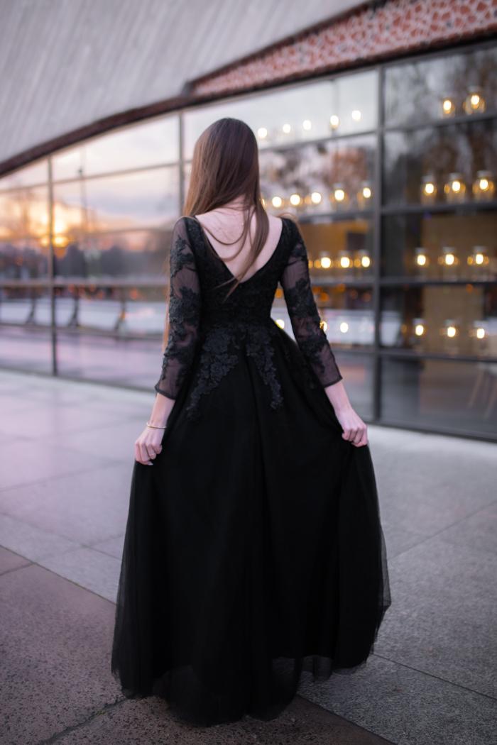 suknia z koronką
