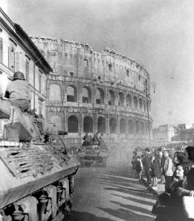 Allied tanks arrive in Rome