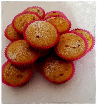 muffin al limone con cuore di ciliegia