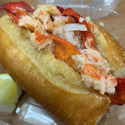Fat Cheeks - Garlic Butter Lobster Roll