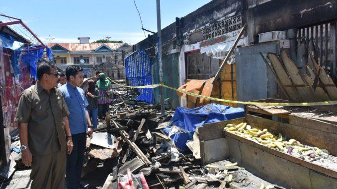 Ketua dan Anggota DPRD Tinjau Lokasi Kebakaran di Pasar Sentral Sinjai
