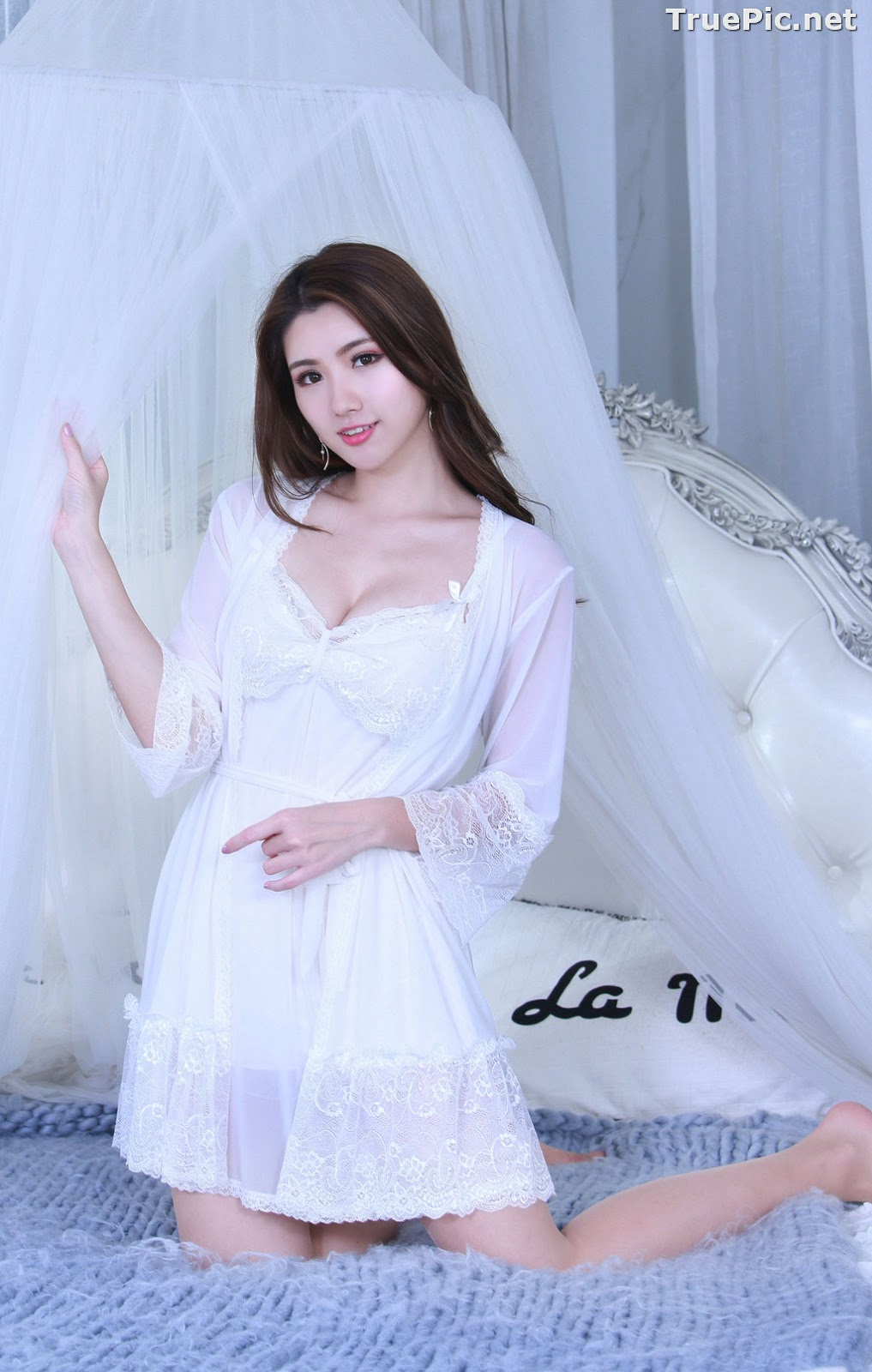 Image Taiwanese Model - 張倫甄 - Lovely and Beautiful White Sleepwear - TruePic.net - Picture-2